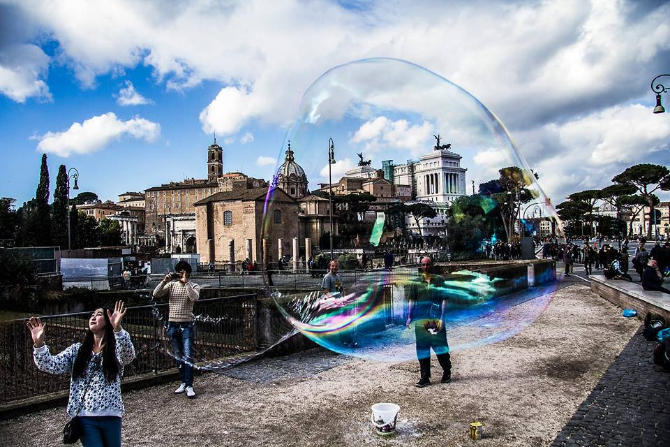 Nella bolla di sapone - Pic by Stefano Massini