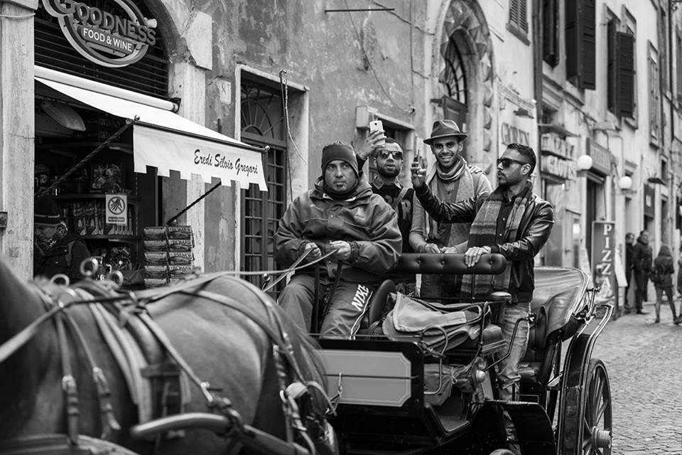 Saludos! - Roma Street Photography - Pic by Paolo Penna