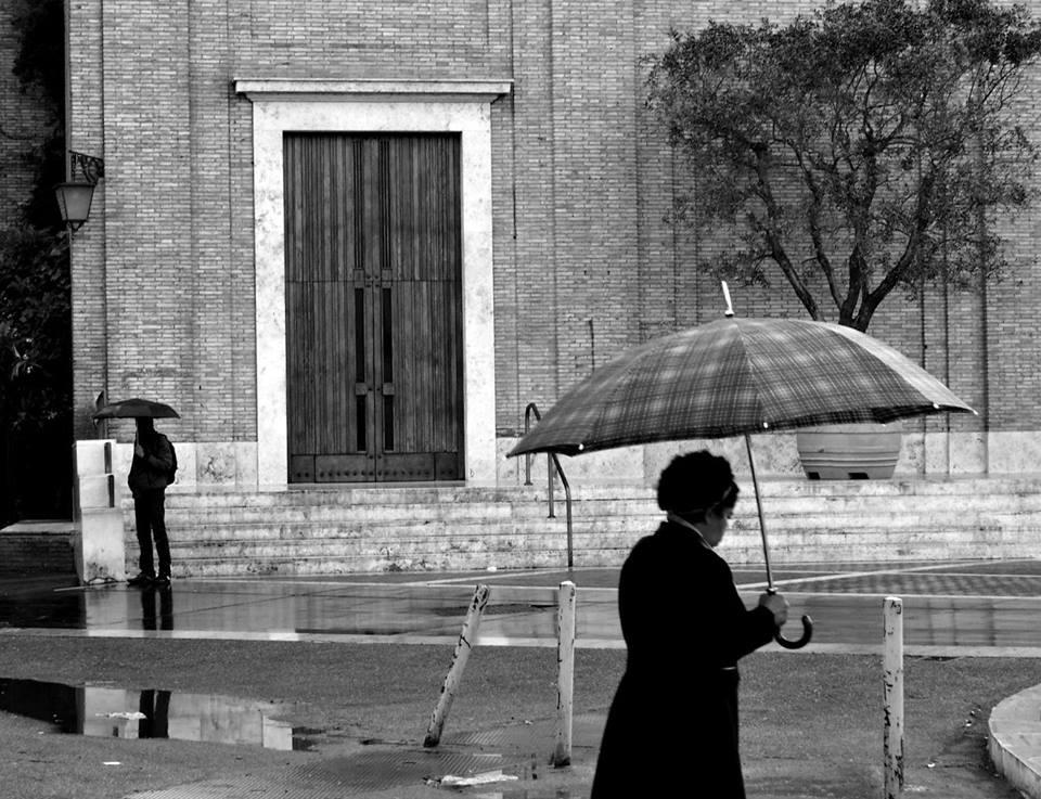 Pioggia di primavera - Roma Street Photography - Pic by Giuseppe Ardica