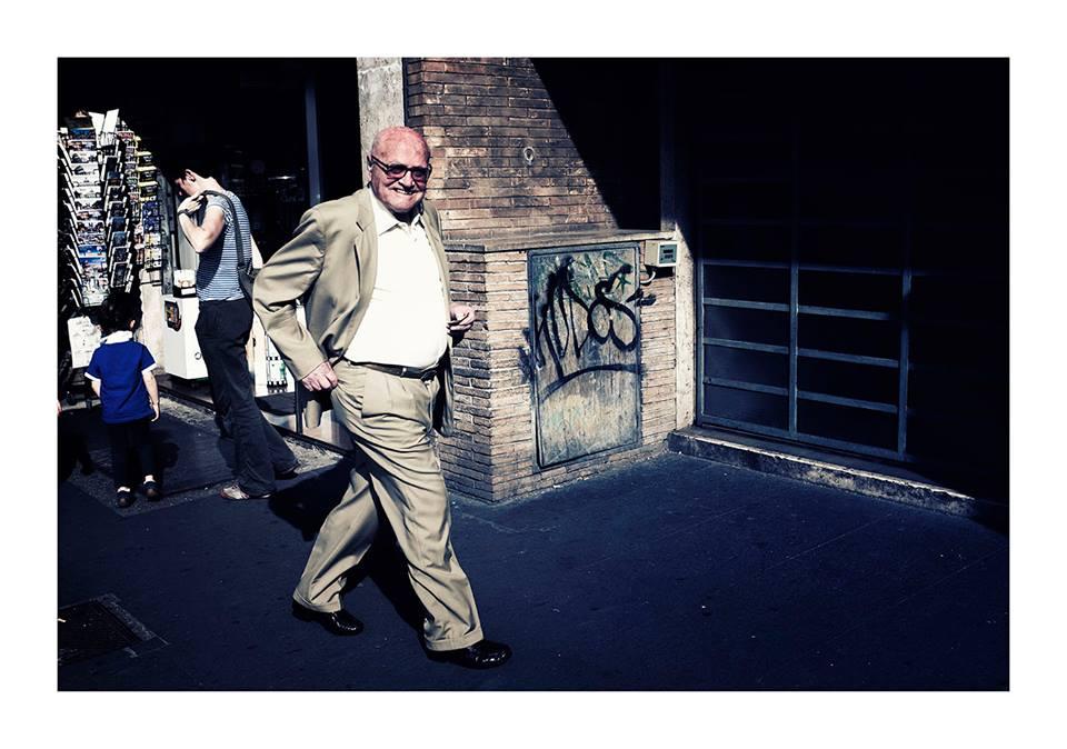 Una X100T in strada - Roma Street Photography -Pic by Alessandro Schiariti