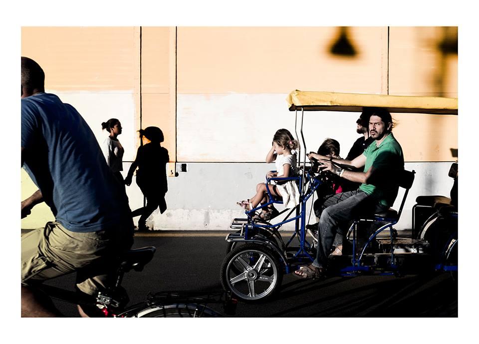 Fuji x100t in strada - Roma Street Photography - Pic by Alessandro Schiariti