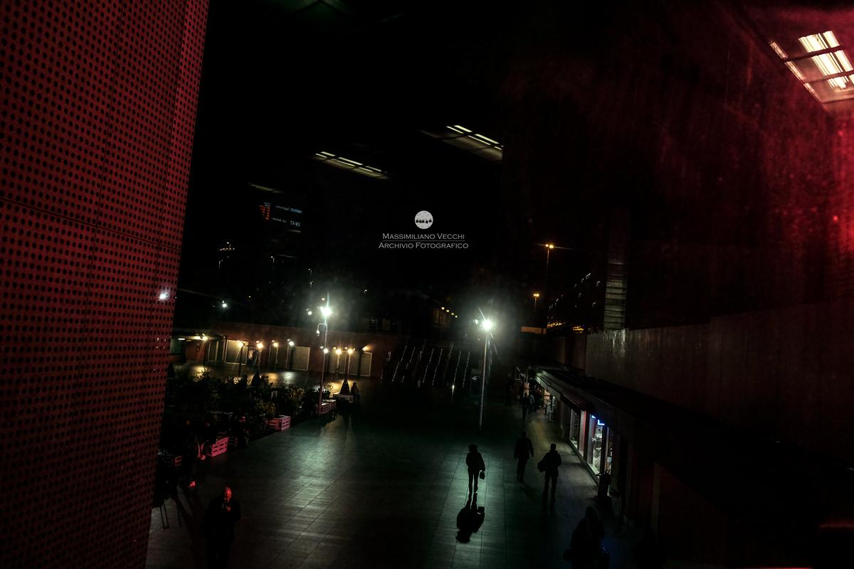 Stazione Tiburtina di notte - Pic by Massimiliano Vecchi